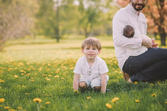 Outdoor Newborn and Family Lifestyle Photography
