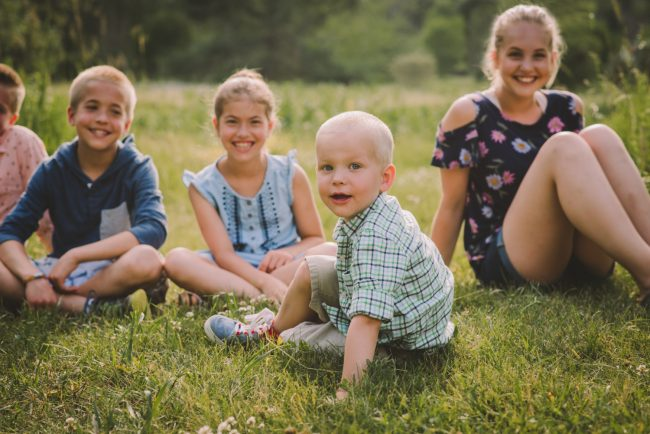 Cute Family Photoshoot Kitchener Waterloo Guelph Cambridge Toronto